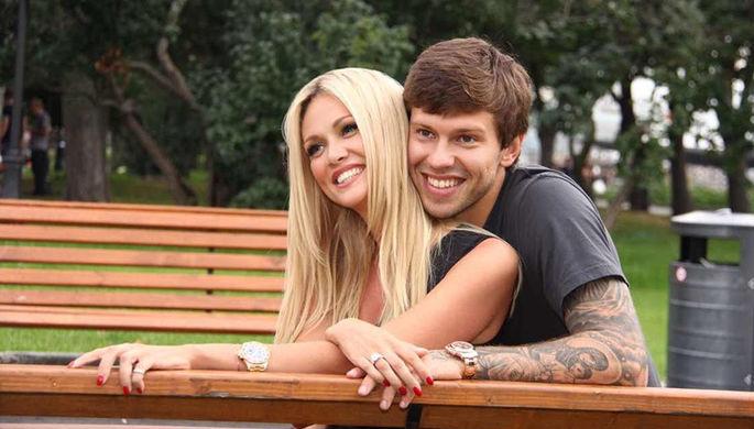Федор Смолов вместе с бывшей супругой Викторией Лопыревой