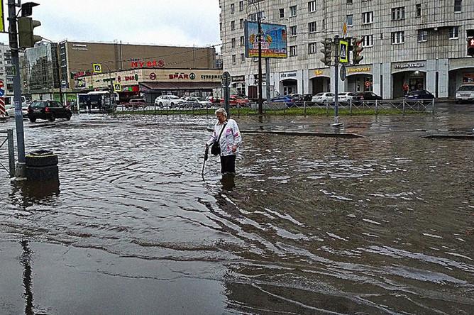 Ситуация на севере Санкт-Петербурга после сильного ливня, 9 июля 2019 года