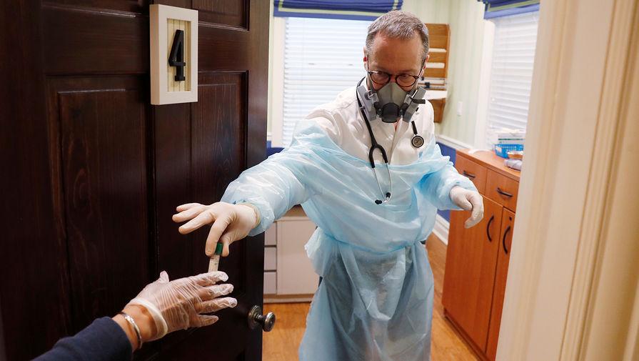 В США назвали долю вакцинированных американцев