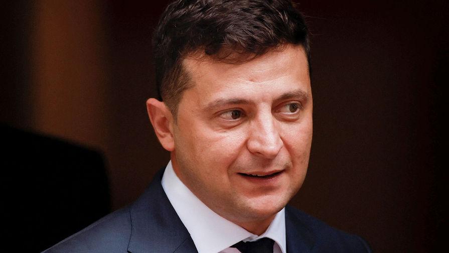 Зеленский проводит консультации из-за обстрелов в Донбассе