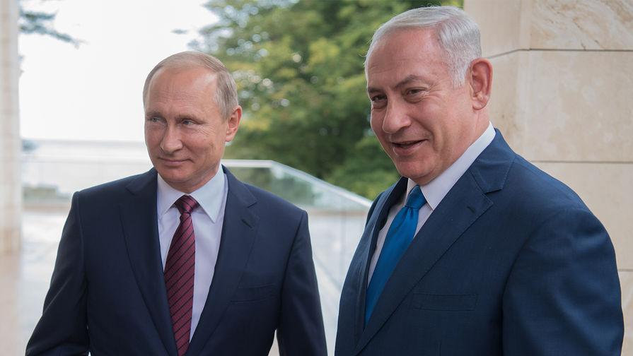 Президент РФ Владимир Путин и премьер-министр Израиля Биньямин Нетаньяху во время встречи в Сочи, 23 августа 2017 года