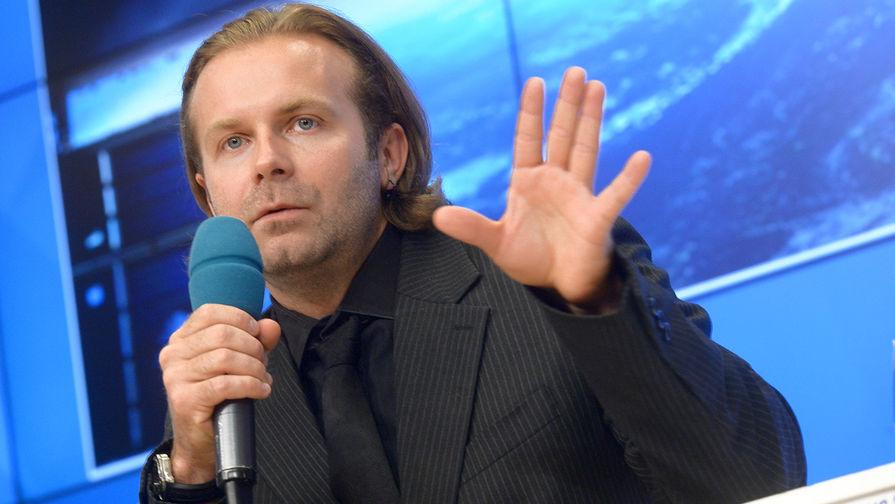 Режиссер «Холопа» отреагировал на шутку Лозы о популярности Петрова