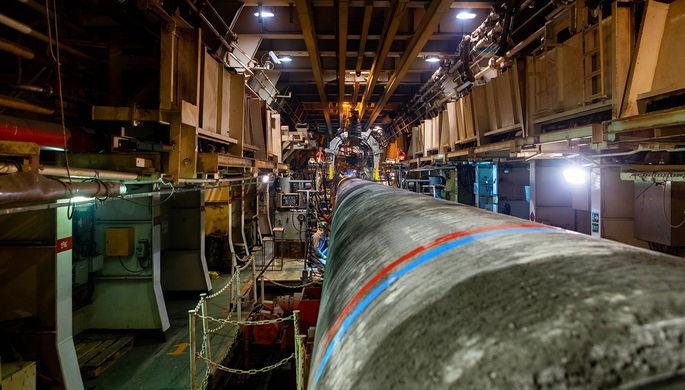 Сварка труб на трубосварочной линии на борту судна Solitaire во время работ в Финском заливе
