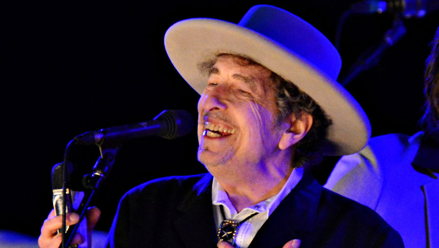 Американский музыкант и поэт Боб Дилан