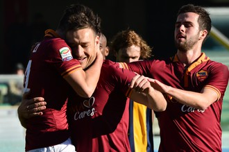 Франческо Тотти с пенальти поразил ворота «Вероны» в матче 21-го тура Серии А