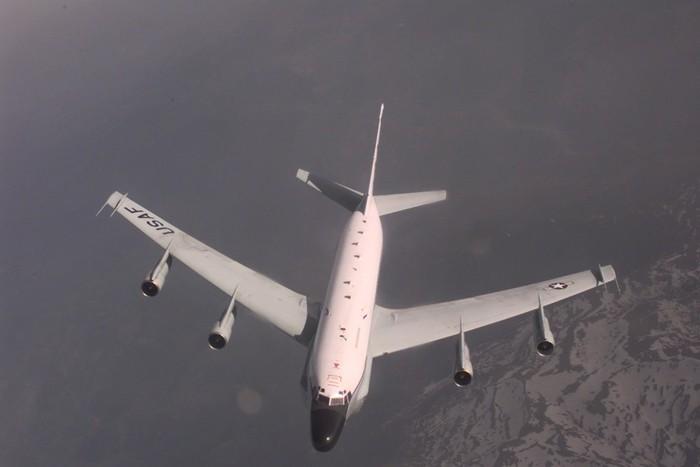 ������� RC-135 Rivet Joint ��� ����� ��������� � 1999 ����