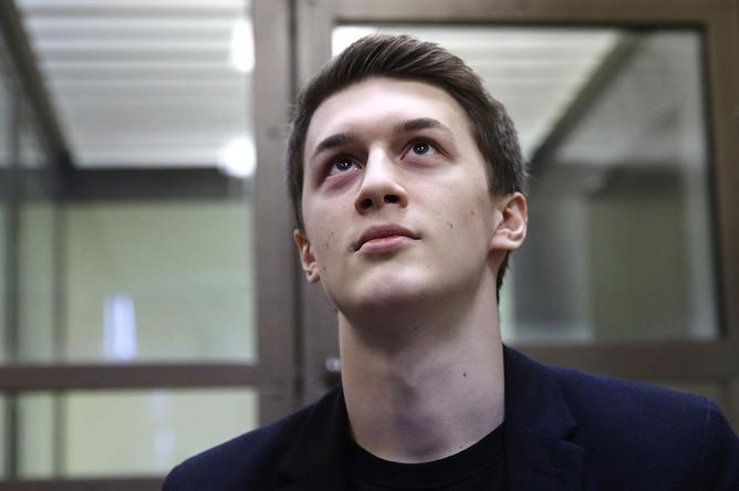 <b>Егор Жуков.</b>Кунцевский суд Москвы приговорил его к 3 годам условно. Изначально Жукову вменяли участие в массовых беспорядках, но позже сняли обвинение. После этого ему предъявили обвинения по ч. 2 ст. 280 УК России («призывы к экстремистской деятельности...»)