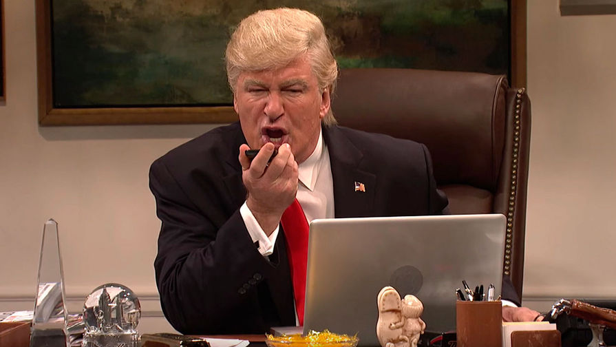 Алек Болдуин в образе Дональда Трампа