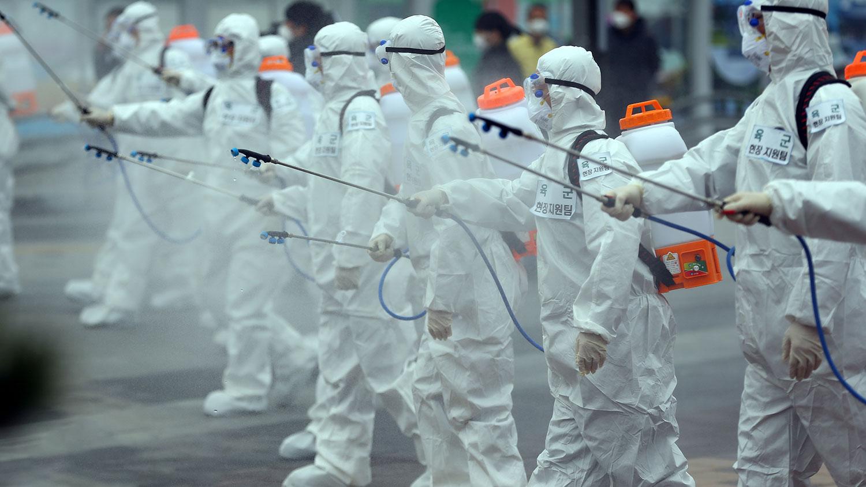 В Китае рассказали, когда в мире закончится эпидемия коронавируса -  Газета.Ru
