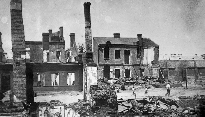 Разрушенный белополяками квартал в Минске. 1920 год