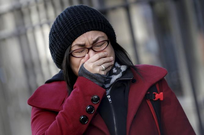 Поклонница скорбит в связи со смертью Дэвида Боуи. Нью-Йорк