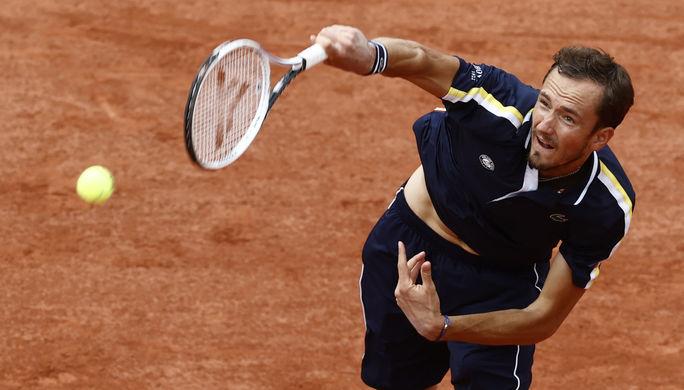 Российский теннисист Даниил Медведев в матче «Ролан Гаррос»