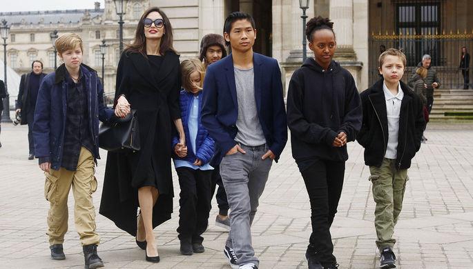 Удар по Анджелине Джоли: Брэд Питт пойдет в суд ради детей