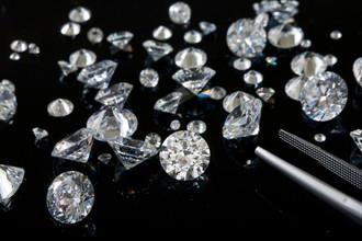 Ученые продолжают изучать процесс образования алмазов
