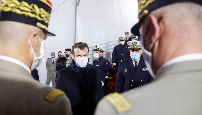 «Творчество пенсионеров»: как французские военные поплатятся за письмо Макрону