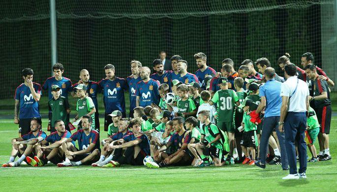Игроки сборной Испании с воспитанниками «Краснодара»
