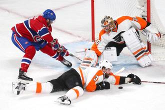 Андрей Марков атакует ворота «Филадельфии»