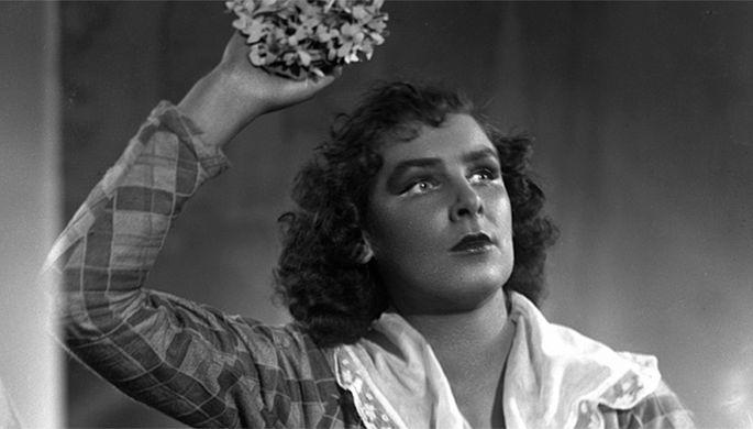 Спектакль «Игрок», режиссеры Леонид Вивьен, Антонин Даусон, 1956.