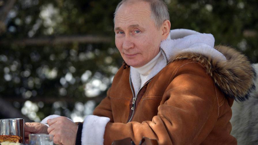 Владимир Путин во время отдыха в тайге в Сибирском федеральном округе, 21 марта 2021 года