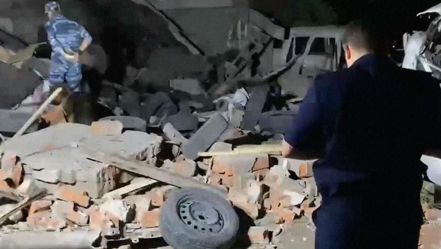 В Краснодаре при обрушении гаражного бокса погиб один человек