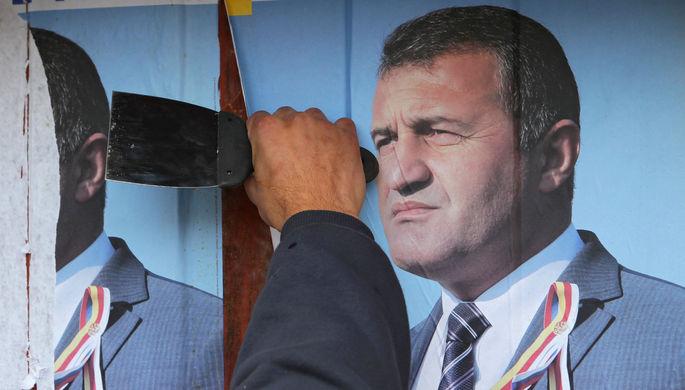 Плакат с президентом Южной Осетии Анатолием Бибиловым