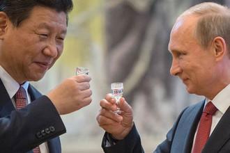 Президент России Владимир Путин и председатель Китайской народной республики Си Цзиньпин, 2014 год
