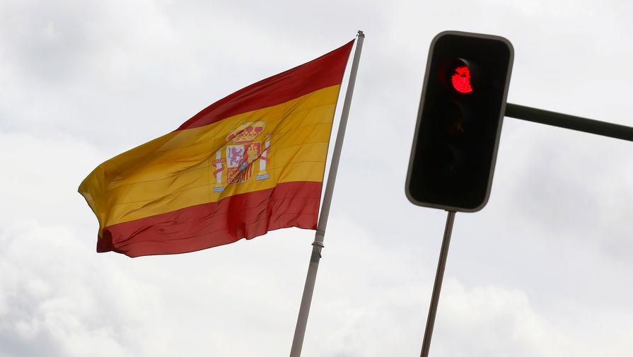 На протестах в Барселоне вспыхнул пожар