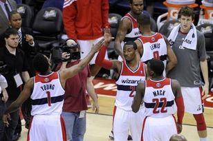 Баскетболисты «Вашингтона» радуются победе