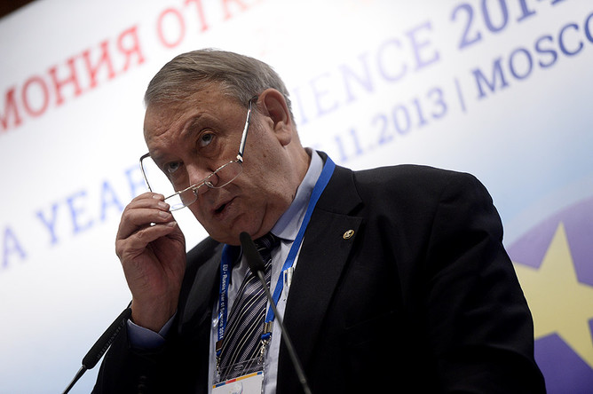 В 2013 году Владимир Фортов активно комментировал и выборы президента РАН, и реформу Академии наук