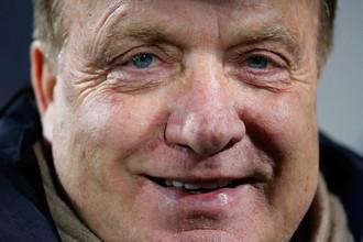 Дик Адвокат — главный тренер голландского клуба АЗ — соперника «Анжи» в 1/8 финала Лиги Европы