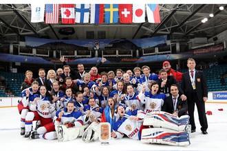 «Бронзовое» фото женской сборной России по хоккею в канадском Камлупсе