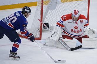 В КХЛ Никита Гусев (слева) и Илья Сорокин играют за главных соперников, а в сборной снова станут партнерами по команде