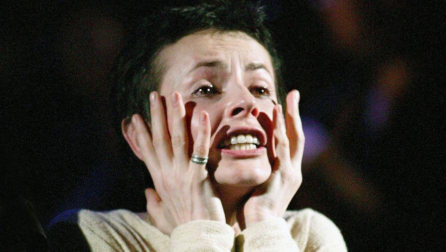 Сцена из спектакля «Мистерия о Жанне д'Арк» в театре им. Федора Волкова, 2004 год