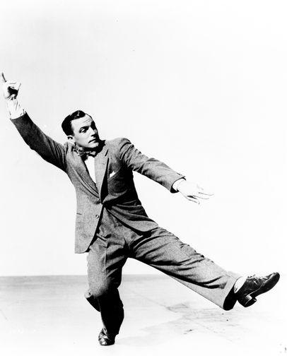 Джин Келли в фильме «Жизнь на широкую ногу» (1947)