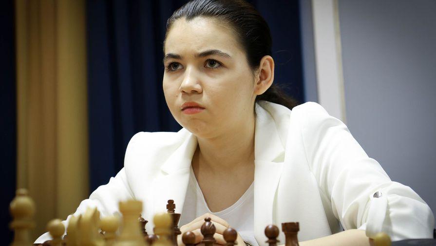 Горячкина уступила на тай-брейке Вэньцзюнь в матче за шахматную корону