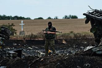 На месте крушения пассажирского самолета Boeing 777 в Донецкой области