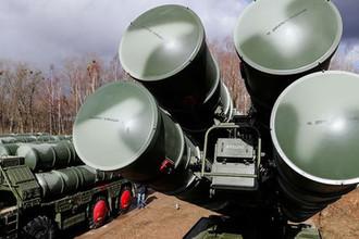Боевые расчеты зенитной ракетной системы (ЗРС) С-400 «Триумф»