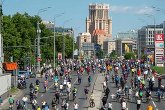 Парады и велозаезды: где в Москве ограничат движение