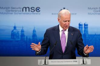 Вице-президент США Джо Байден во время выступления на Мюнхенской конференции по безопасности