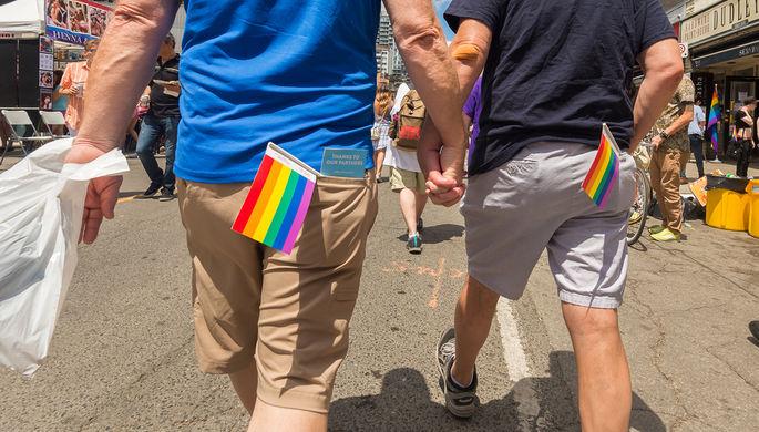 Благословения не будет: Ватикан отказал геям в венчании