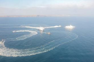 «Провокация Запада»: корабли Украины нарушили границу с Россией