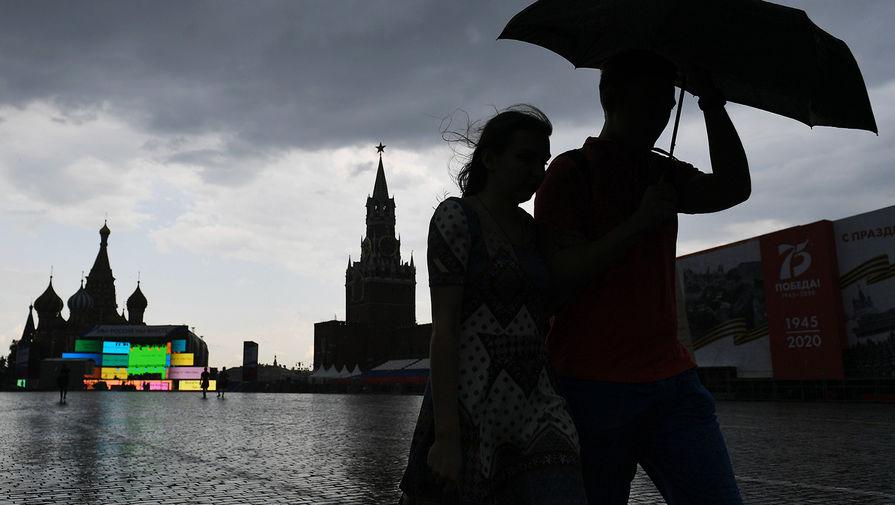 В Москве в понедельник ожидается до +19°С, дождь и сильный ветер