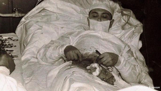 «Болит, черт!» Как доктор Рогозов вырезал себе аппендикс в Антарктиде