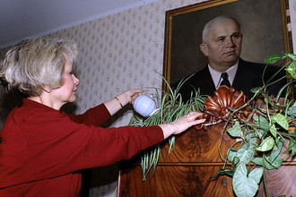 Юлия Хрущева у себя дома, 1994 год
