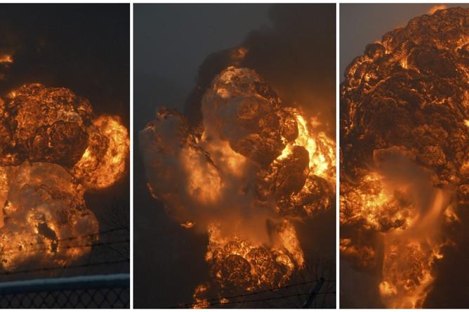 Момент взрыва после схода состава с рельсов