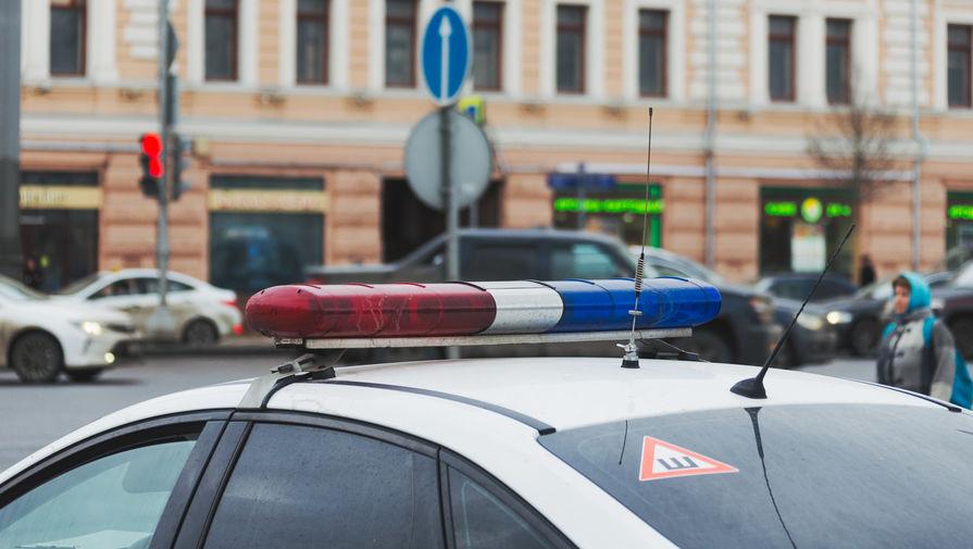 В Москве загорелся попавший в ДТП мотоцикл