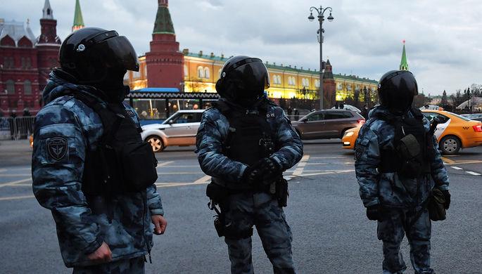 Защитить силовиков: в России ужесточили наказание за разглашение персональных сведений