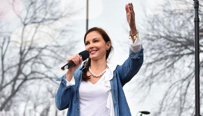 Эшли Джадд выступает на «женском марше» в Вашингтоне