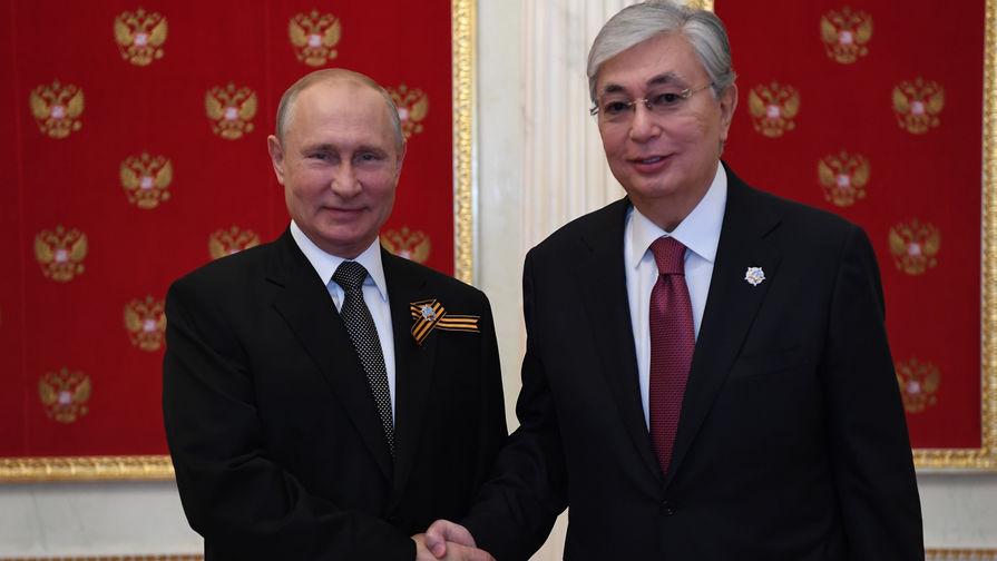 Президент России Владимир Путин и президент Казахстана Касым-Жомарт Токаев