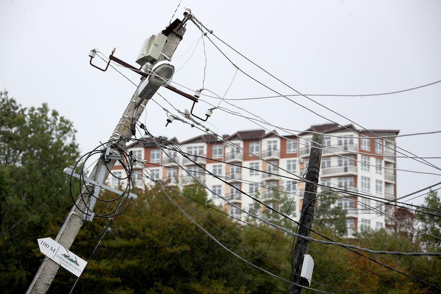 Последствия оползня, который был вызван сильным дождем, вселе Сергей-Поле подСочи, 5октября 2021года